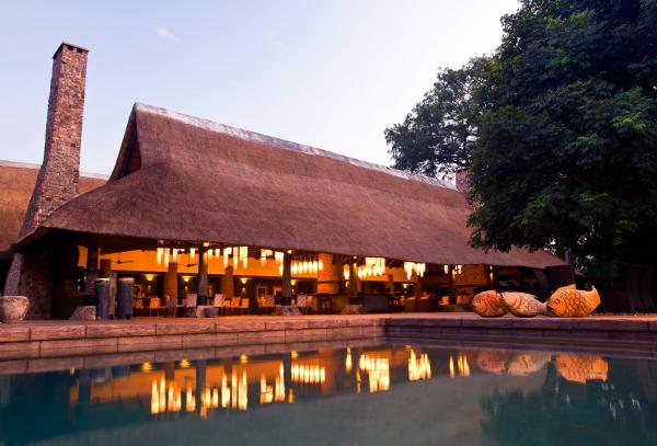 Mfuwe Lodge and pool