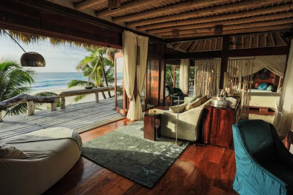 Villa North Island offers private beach access
