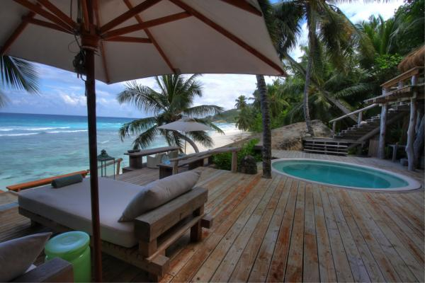 Villa North Island decks and plunge pool