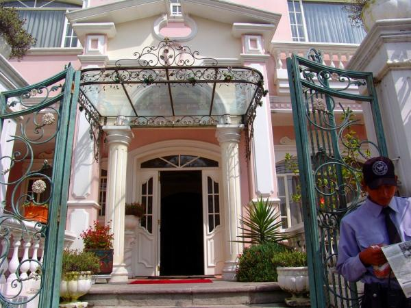 The entrance to Hotel Eugenia