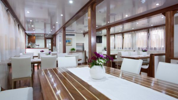 Dining room on the M/S Splendid