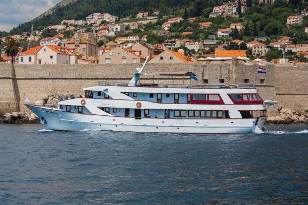 M S Splendid Cruises To The Adriatic