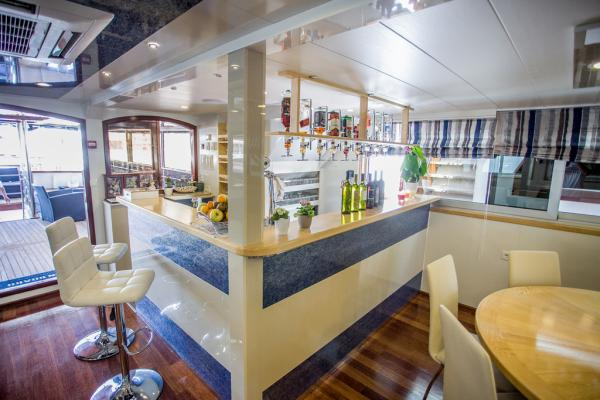 Bar on the Captain Bota