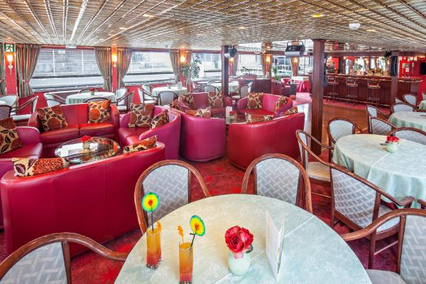 Lounge-bar on the MS Mona Lisa