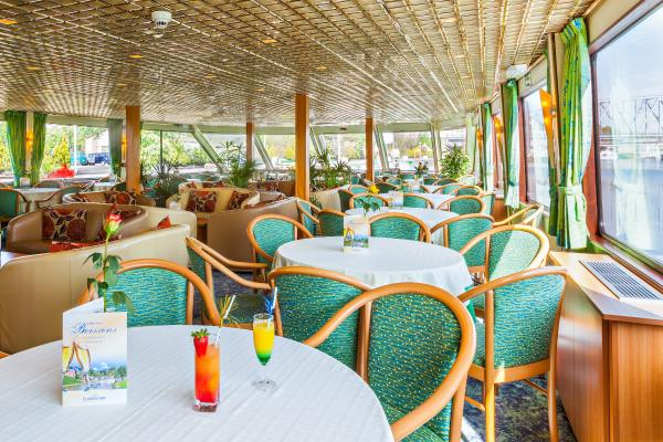 Restaurant on the MS Symphonie