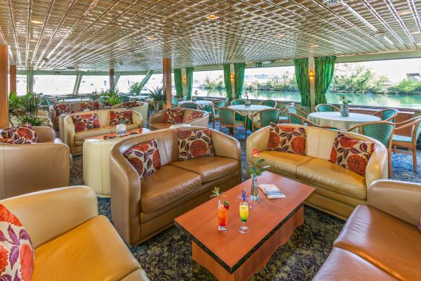 Lounge on the MS Symphonie