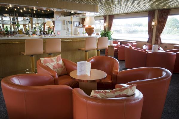 Lounge-bar on the MS Princesse d'Aquitaine