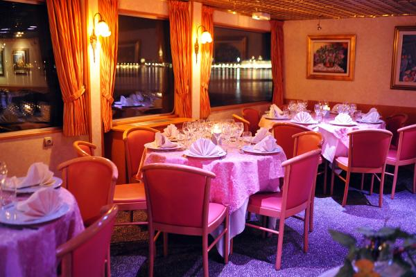 Restaurant on the MS Princesse d'Aquitaine