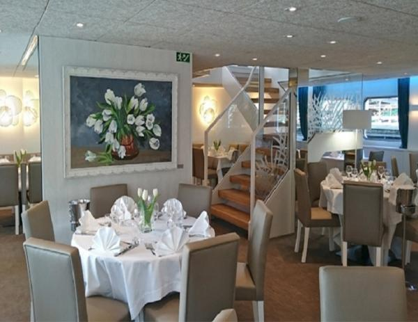 Restaurant on the MS Gil Eanes