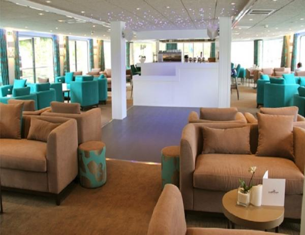 Lounge-bar on the MS Gil Eanes