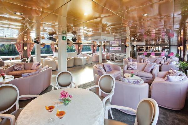 Lounge-bar on the MS Gérard Schmitter