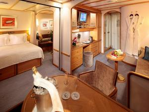 Commodore Suite on the Sea Dream