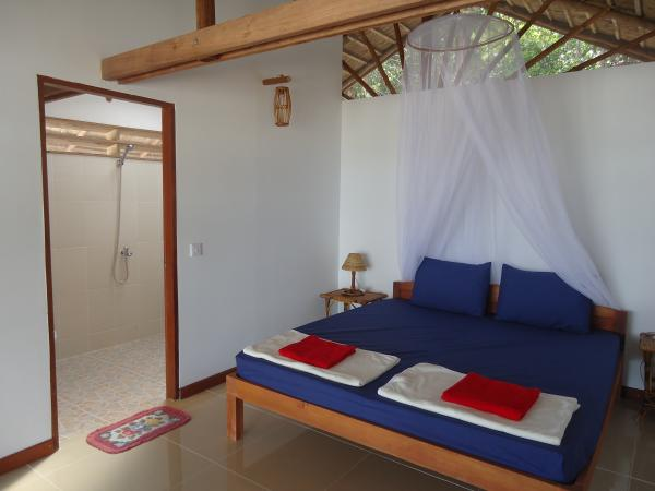 Saracen Bay room