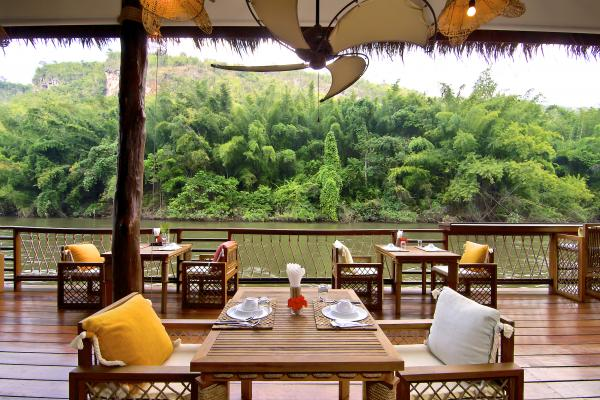 FloatHouse River Kwai dining