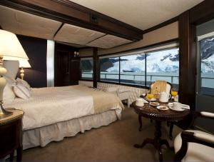 MV Santa Cruz Grand Suite