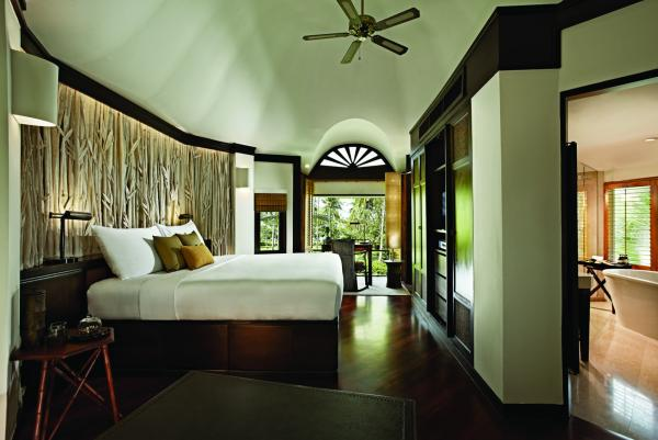 Deluxe Pavilion Bedroom