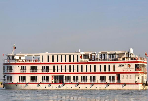 Myanmar's Orcaella cruises the Chindwin and Ayeyarwady Rivers
