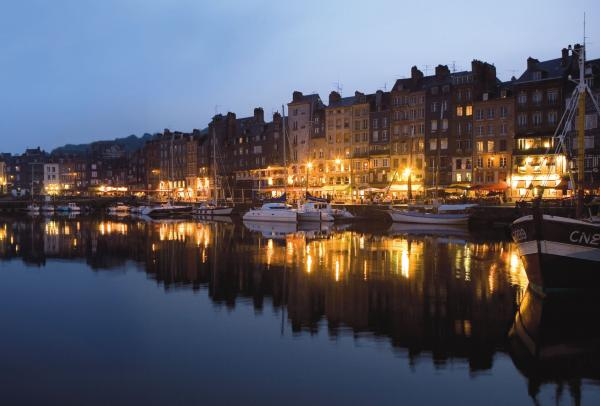 Honfleur by night