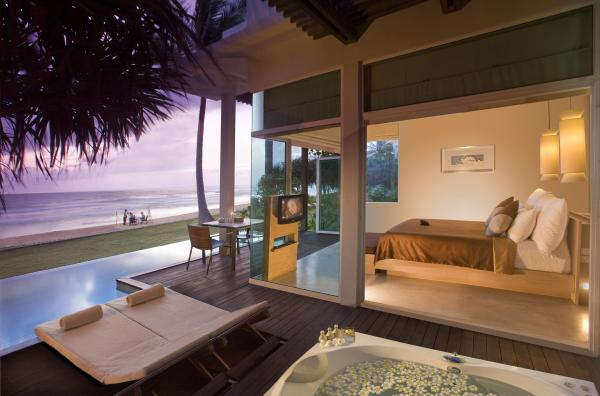 Pool suite bedroom and outdoor area