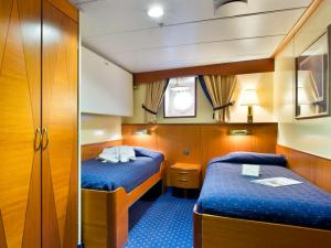 Ocean Adventurer Cabin 3 and 4