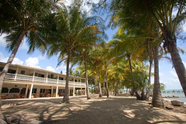 Welcome To Pelican Beach Resort Dangriga Belize A Belizean Owned Beachfront Hotel On The Edge Of Offering Vacationers Business People