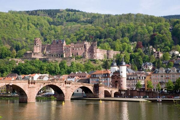 Visit the chraming Heidelberg