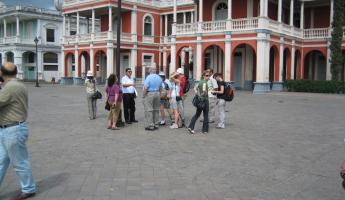 another tour group in the main plaza of Granada
