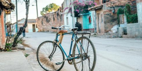 Bicycle on Cuban street
