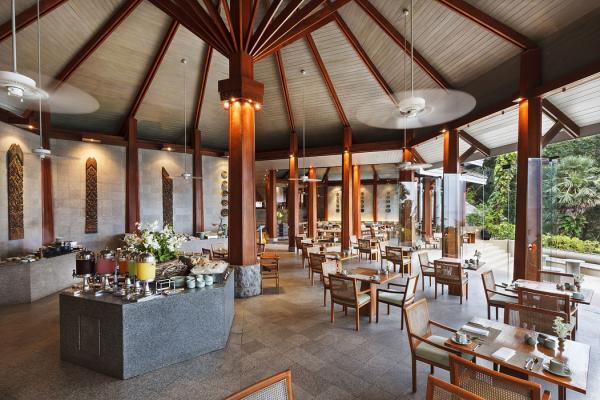 Lomtalay Restaurant at the Surin Phuket