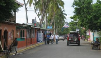 street scene, San Juan del Sur, the main drag