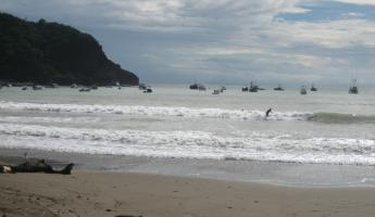 San Juan del Sur, see the surfer!