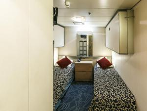 Single Interior Cabin aboard the Ocean Endeavour