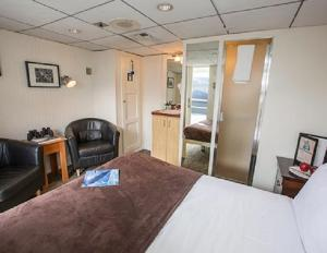 AAA cabin aboard the Baranof Dream