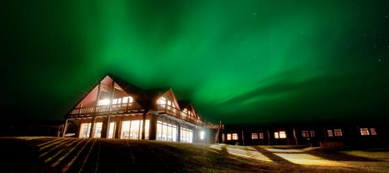 Strong Aurora Borealis over Hotel Ranga