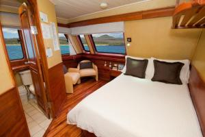 Main Deck Cabin aboard the Galaven I