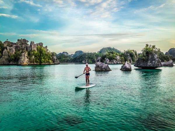 Cruising Adventures! Raja Ampat SUP