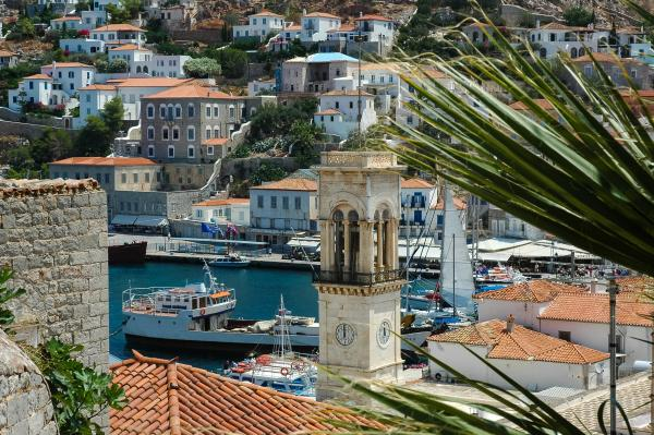 Panoramic views of Hydra's harbor