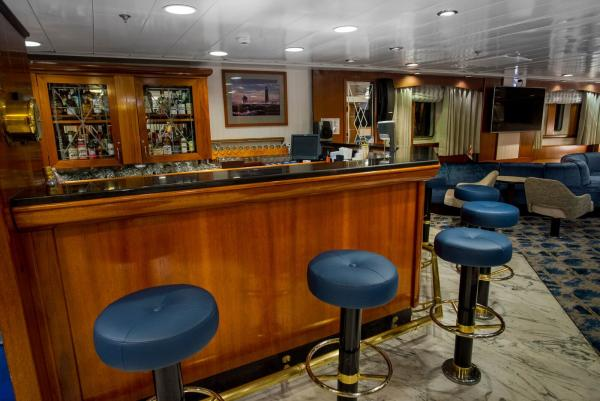 Bar at the Main Lounge, Ocean Adventurer