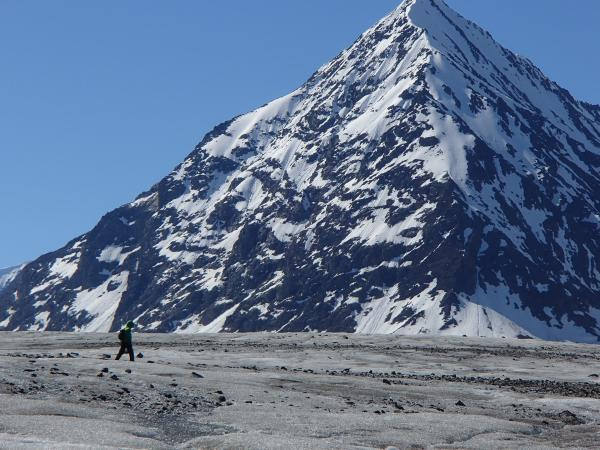 Hiking the remote areas of Wrangell - St. Elias