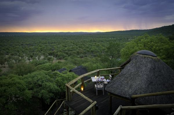 Spend a romantic evening dining privately at Ongava