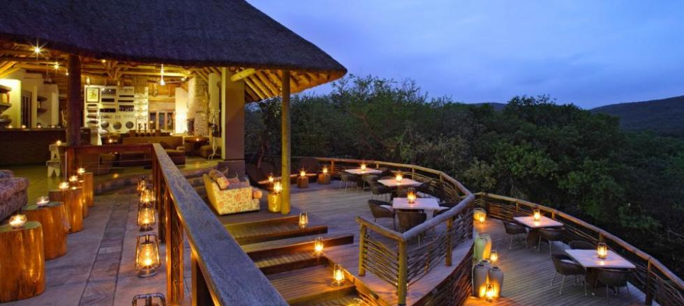 Magnificent bushveld views with a warm and welcoming style