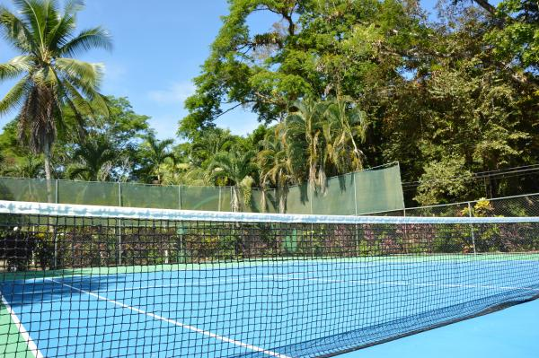 Hotel Villas Rio Mar, Tennis Court