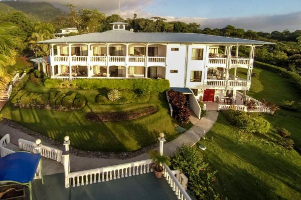 Hotel Cristal Ballena