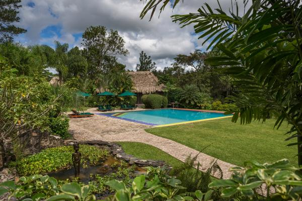 Blancaneaux Lodge, Pool