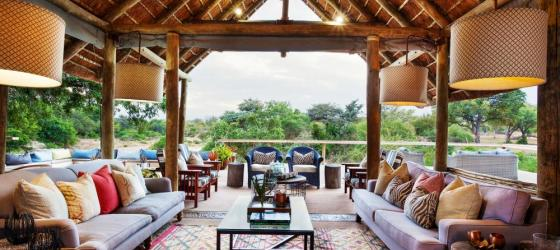 Main lounge at Thornybush Game Lodge