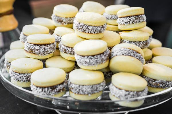 Food and travel: alfajor