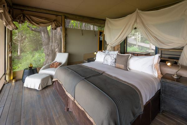Luxury tents at DumaTau in Botswana