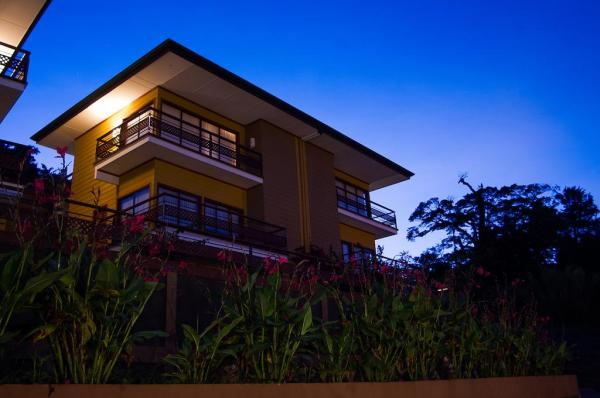 Ficus Sunset Suites
