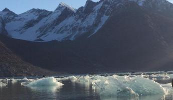 Morning sunshine, Evighedsfjord Glacier