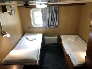 Superior Plus Cabin-Spirit of Enderby